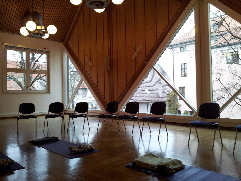 seminar-room-78504